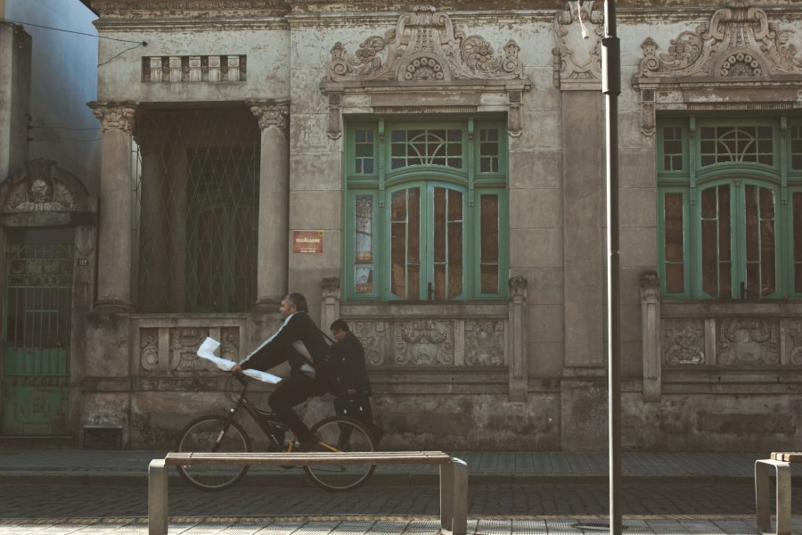 Free Photos: People walking near an old building | Buildings | Ariana Prestes