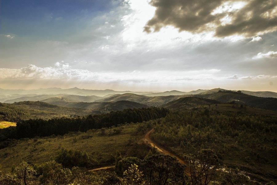 Free Photos: Green hills in sunlight | Nature | Tiago Gerken