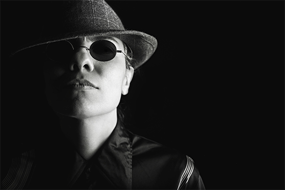 Free Woman with hat and sunglasses