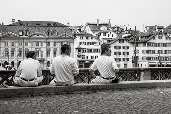 Free Men having lunch on the bank