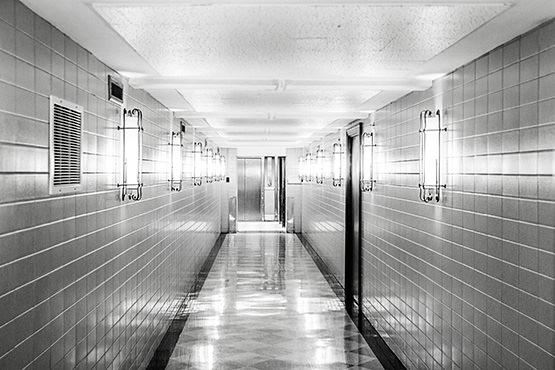 Free Ceiling corridor