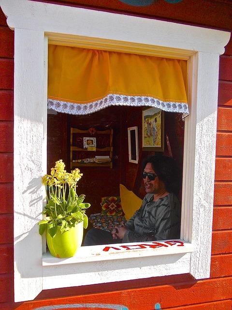 Free bus shelter järna sörmland summer