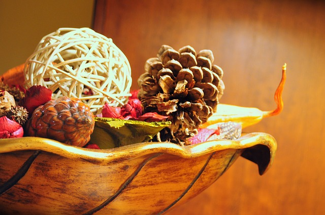 Free decoration wood brown cones bowl