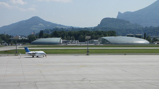 Free airport salzburg runway aircraft flyer transport