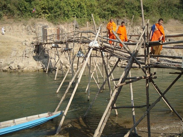 Free monks buddhist laos bridge river