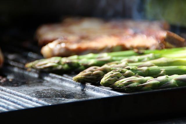 Free asparagus green asparagus steak barbecue grill