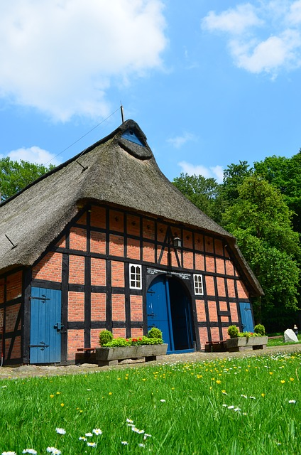 Free heimathaus forsthaus truss thatched roof