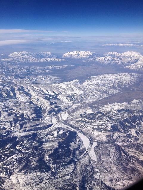 Free mountains aerial view landscape mountain range