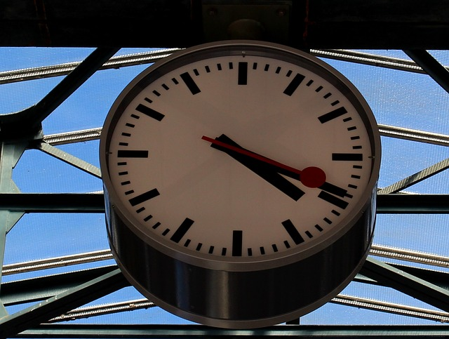 Free clock time station clock sbb railway station