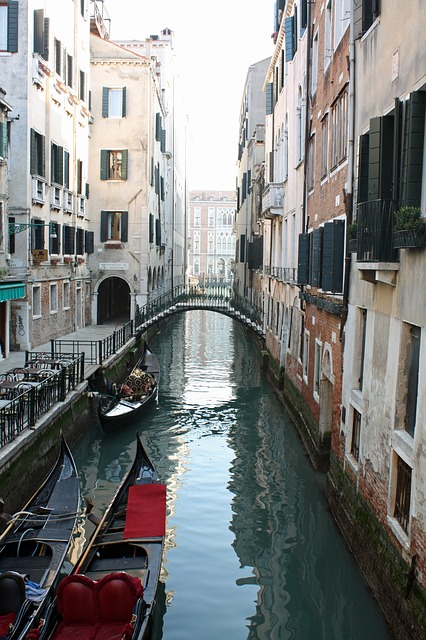 Free venice italy gondola buildings city architecture