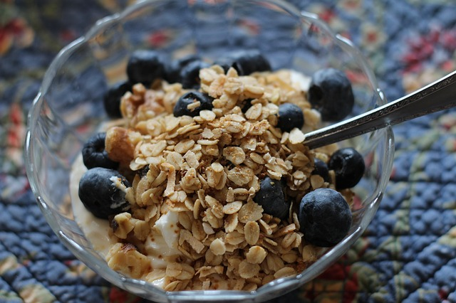 Free breakfast yogurt healthy blueberries granola food
