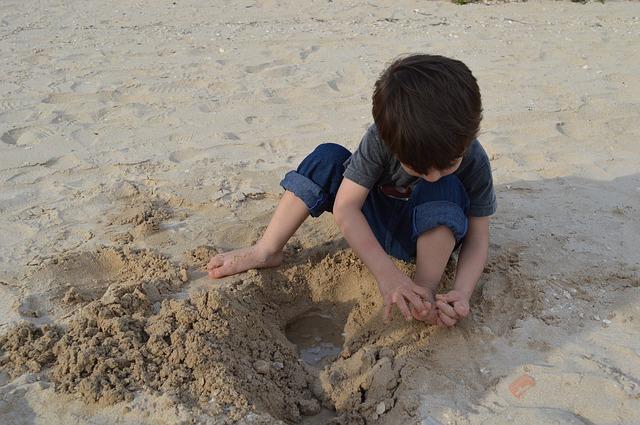 Free playing play child sand joy of child summer