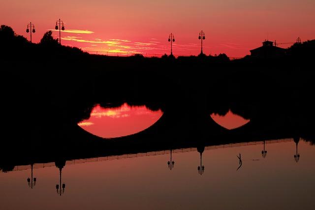 Free bridge sunset river sombres afternoon landscape