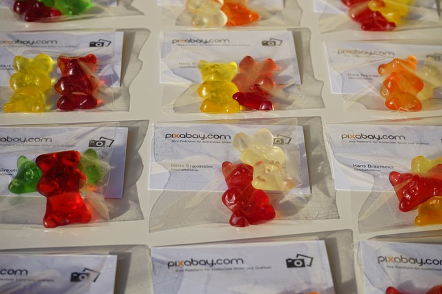 Free gummi bears business cards packed sachets