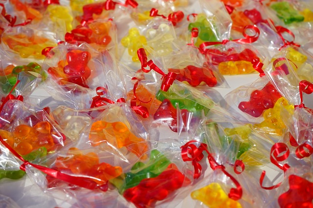 Free gummi bears packed sachets mitbringsel cellophane
