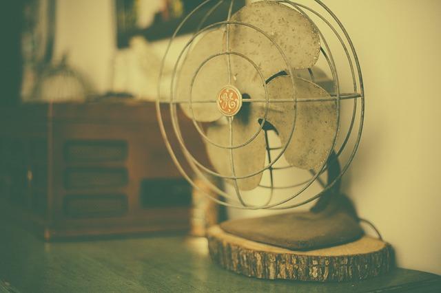 Free fan ventilator airflow cooling metal old vintage