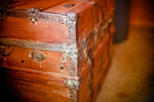 Free wooden box treasure box chest storage closed