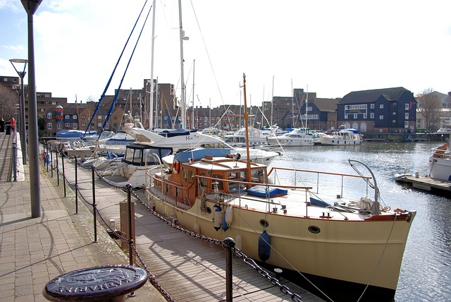 Free yachts boat relaxation holiday st katherines dock