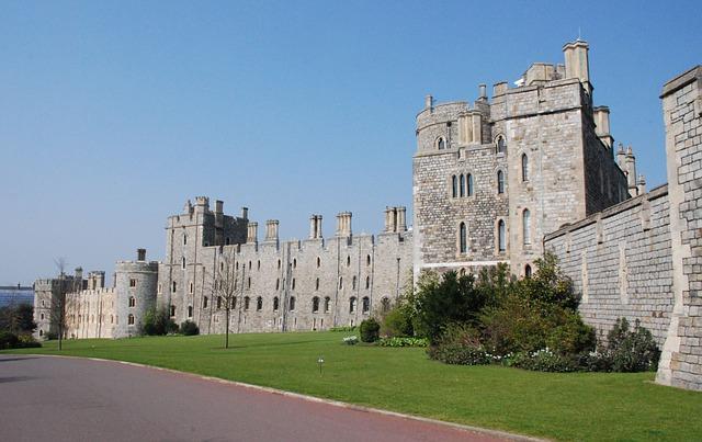 Free windsor castle royalty historical landmark