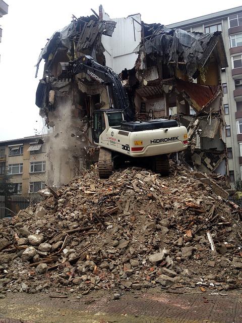 Free destruction house damage building crane machinery