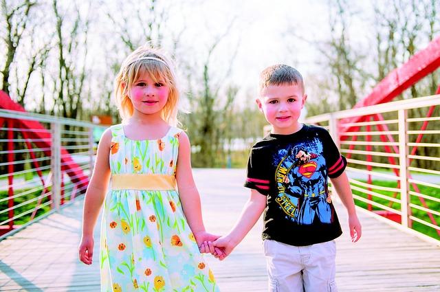 Free kids holding hands children holding hands cute
