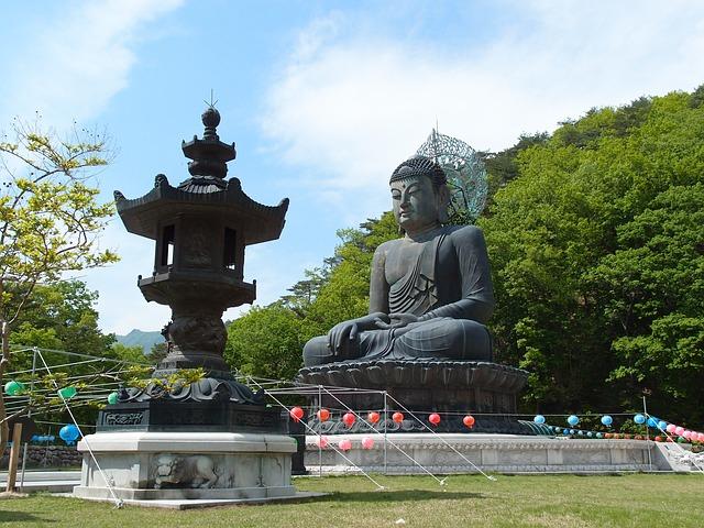 Free gangwon do sokcho mt seoraksan sinheungsa buddha