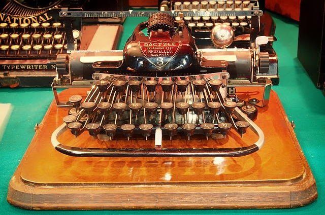 Free typewriters old vintage antique classic rare