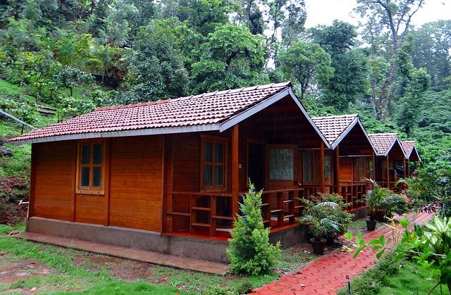 Free log huts wood cabin homestay coffee estate
