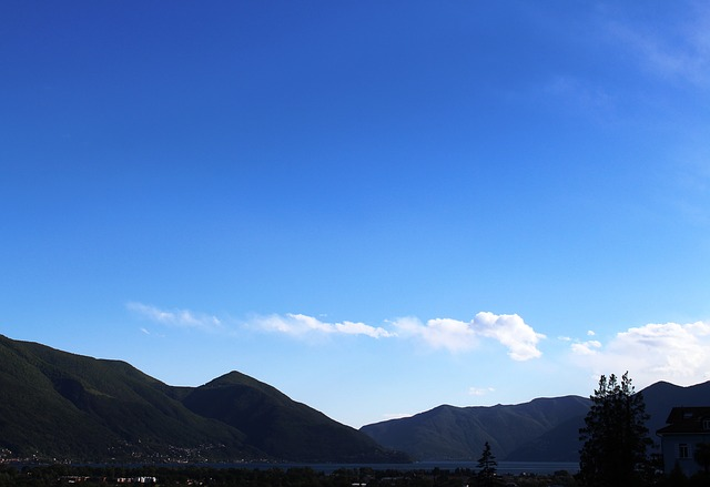 Free panorama see lago maggiore mountains clouds sky