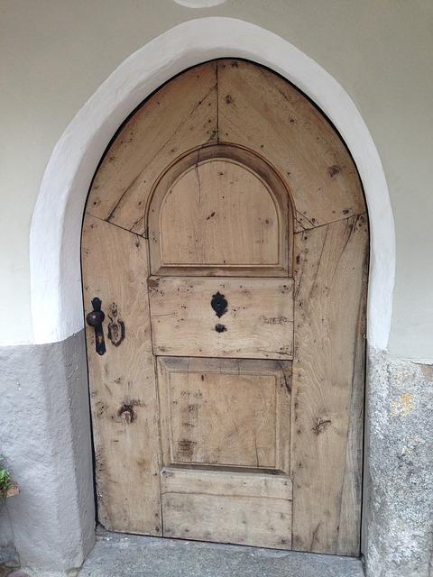 Free old door wood south tyrol