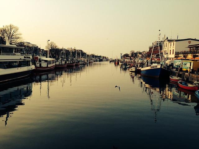 Free Photos: Warnemünde water port boot fishing boat fischer | peasonearth