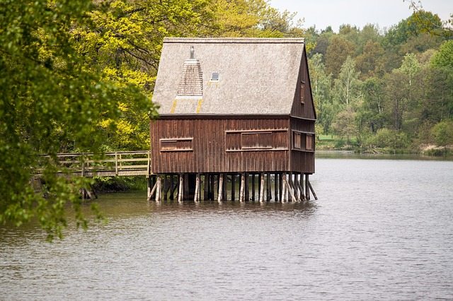 Free stilt house fishing home hut vacation stalk