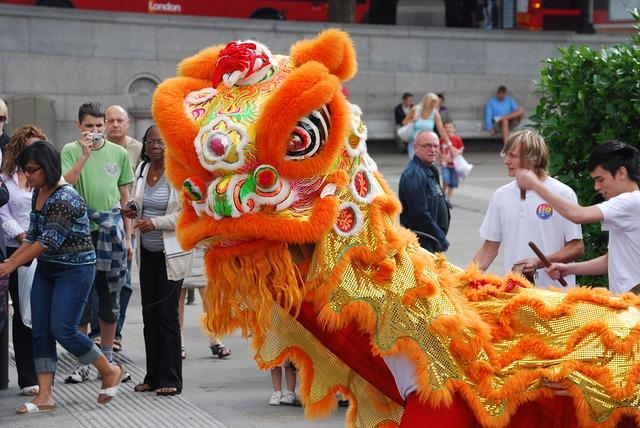 Free dragon trafalgar square london chinese costume