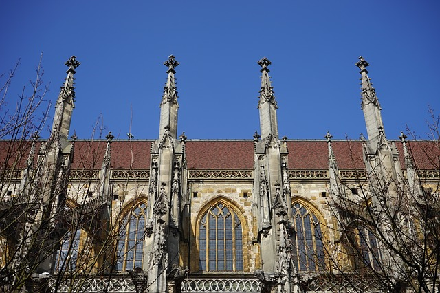 Free ulm cathedral aisle carrier support window turret