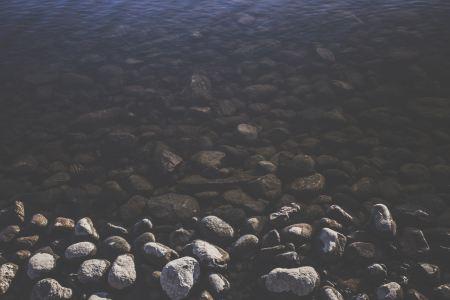 Free Wet and dry stones