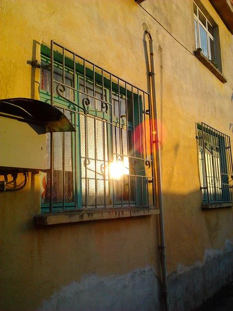 Free home window solar reflection yellow green