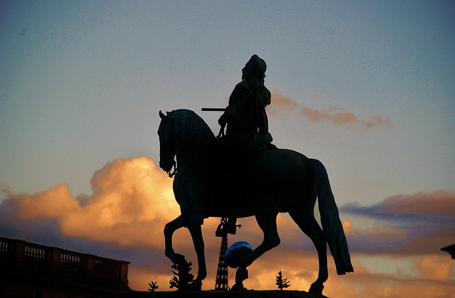 Free statue bronze garden statue statue of liberty