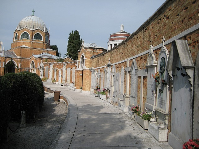 Free venice tombs cemetery italy