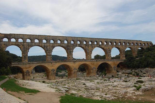 Free pont du gard romans antique archaeology aqueduct