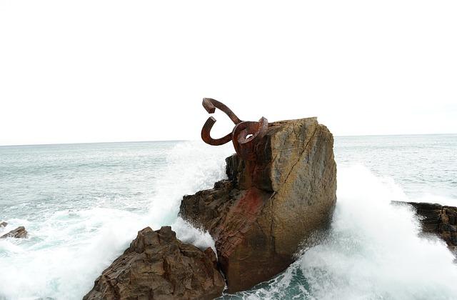 Free art comb of the wind san sebastian sea