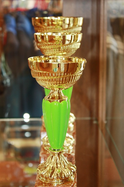 Free cups retro the goblet prize gold the rivalry