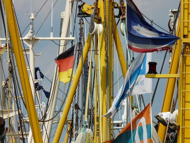 Free fishing boats details masts coast port fishing