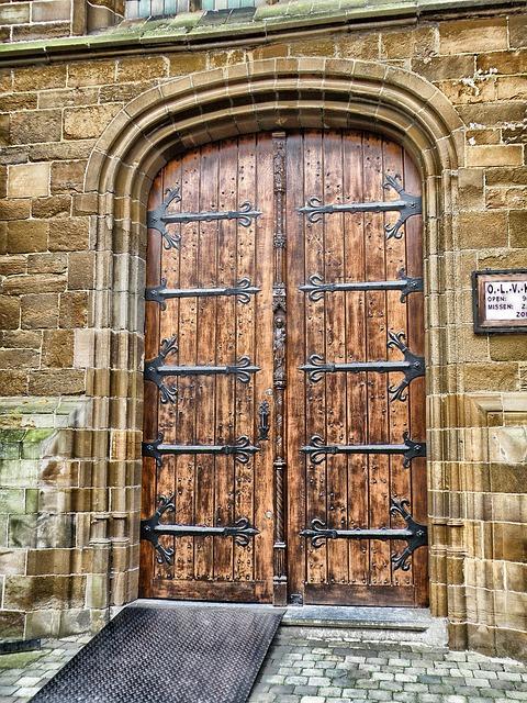 Free aarschot belgium door doorway wood wooden