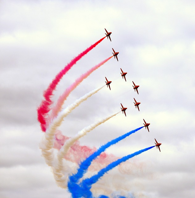 Free red arrows farnborough air show united kingdom