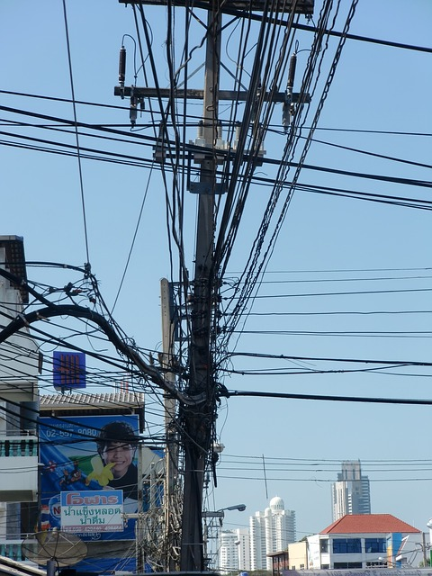Free current power poles high voltage line electricity