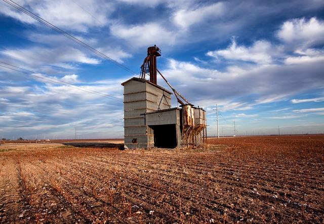 Free wastella texas grain elevator abandoned sky clouds