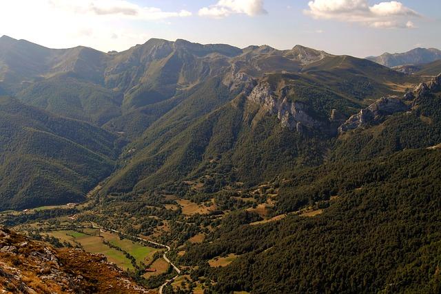 Free mount peaks europe cold horizon panorama valley