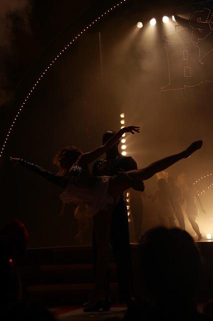 Free show dance women's