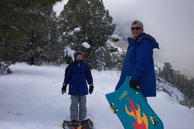 Free snow play winter snowboard snowboarders nature