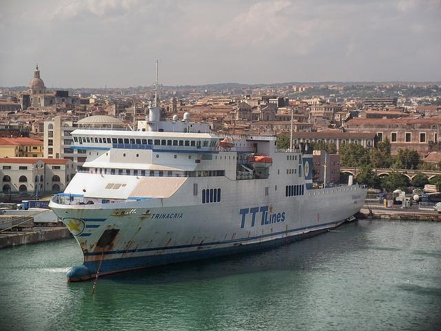 Free catania sicily ocean liner cruise city urban bay